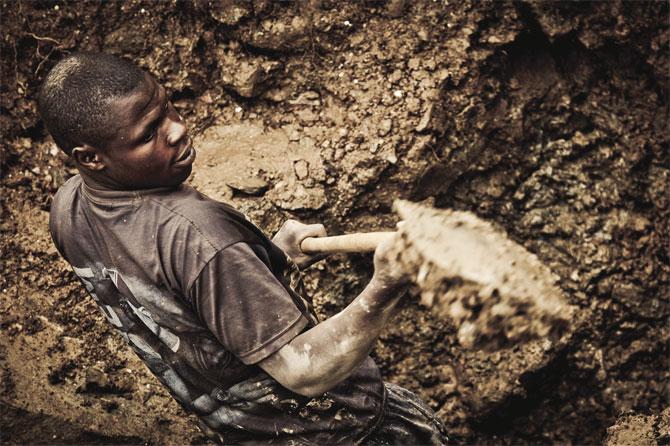 Artisanal-miner-at-work