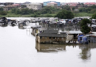 Thumb374-700_dettaglio2_alluvioni-nigeria---AFP