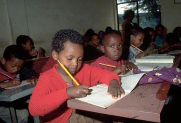 Scuola_nigeriaR375