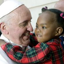 Pope-Francis_with-little-child